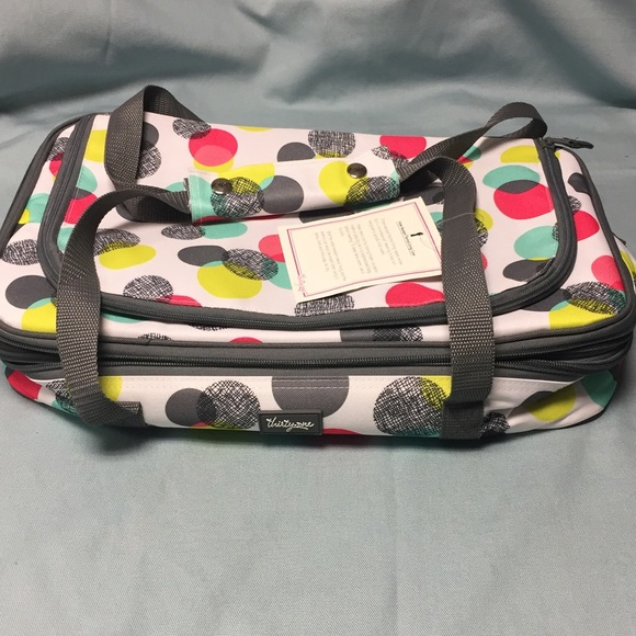 Never used thirty one casserole carrier